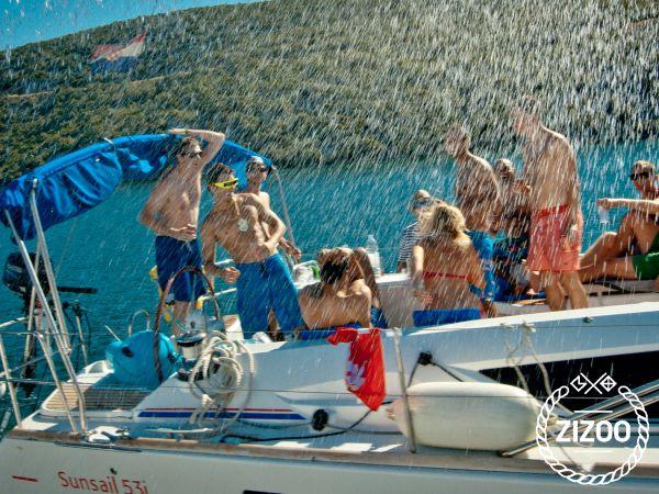 Bavaria 44 2002 Sailboat