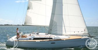 Sailboat Beneteau Oceanis 37 2009