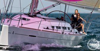 Sailboat Beneteau First 35 2011