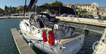 Sailboat Salona 38 2013