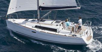 Sailboat Beneteau Oceanis 31 2010