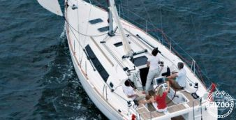 Sailboat Beneteau Oceanis 34 2011