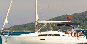 Sailboat Beneteau Oceanis 34 2010