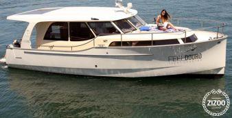 Motor boat Greenline 33 Hybrid 2012