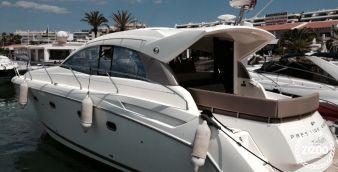 Speedboat Jeanneau Prestige 440 2013