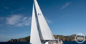Sailboat Bavaria Cruiser 33 2014
