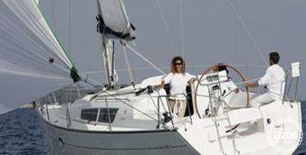 Sailboat Jeanneau 32 i 2004
