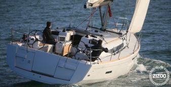 Sailboat Jeanneau 439 2013
