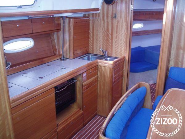 Sailboat Bavaria Cruiser 39 (2005)-4