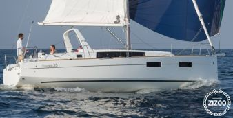 Sailboat Beneteau Oceanis 35 2015