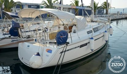 Sailboat Bavaria Cruiser 33 (2013)