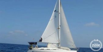 Sailboat Bavaria 32 2005