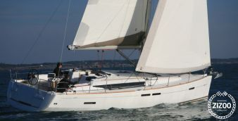 Sailboat Jeanneau 439 2011
