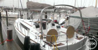 Sailboat Jeanneau 379 2013