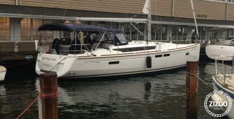 Sailboat Jeanneau 469 2015