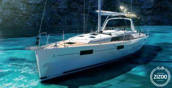 Sailboat Beneteau Oceanis 37 2017