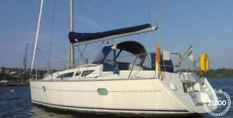 Sailboat Beneteau Oceanis 34 2011