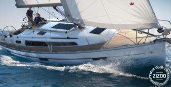 Sailboat Bavaria Cruiser 37 2014