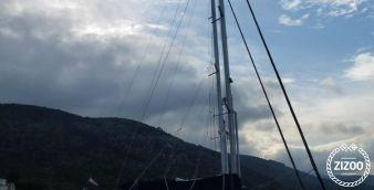 Sailboat Bavaria Cruiser 42 2006