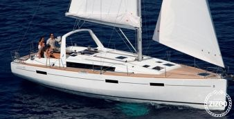 Sailboat Beneteau Oceanis 45 2017