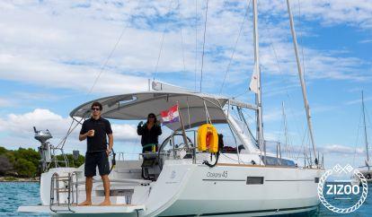Sailboat Beneteau Oceanis 45 (2014)