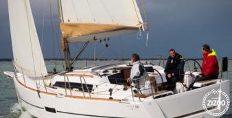 Sailboat Dufour 350 Grand Large 2015