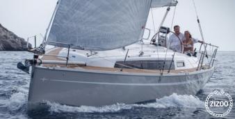 Sailboat Bavaria Cruiser 33 2016
