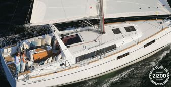 Sailboat Beneteau Oceanis 35 2016