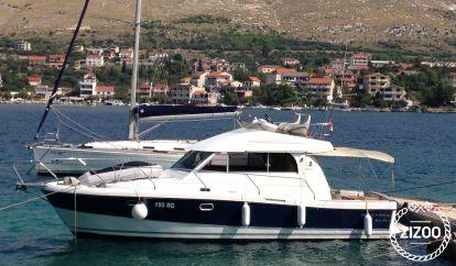 Barco a motor Beneteau Antares 10.80 (2008)