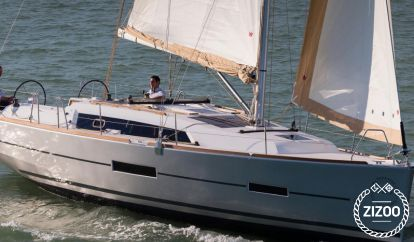 Sailboat Dufour 382 (2016)