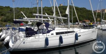 Sailboat Beneteau Oceanis 37 2011