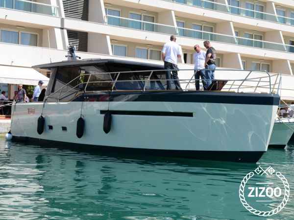One of a kind 2012 Motor boat