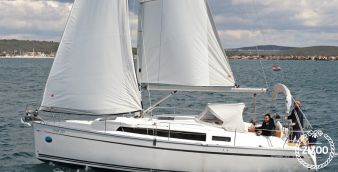 Sailboat Bavaria Cruiser 33 2013