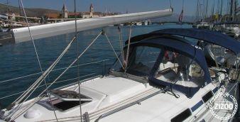 Sailboat Bavaria 36 2007