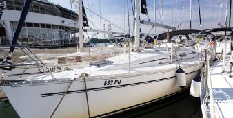 Sailboat Elan 333 2003