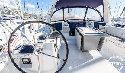 Sailboat Beneteau Oceanis 45 (2013)