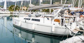 Sailboat Hanse 315 2016