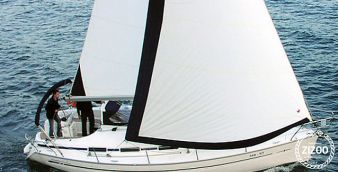 Sailboat Bavaria 32 2002