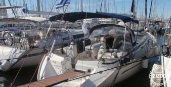 Sailboat Bavaria 44 2002