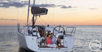 Sailboat Jeanneau Sun Odyssey 349 2017