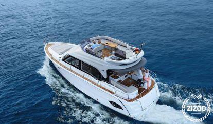 Motor boat Bavaria E40 Fly (2017)
