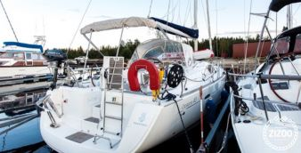 Sailboat Beneteau Oceanis 40 2008