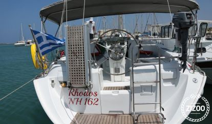 Sailboat Beneteau Oceanis 36 (2004)