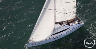 Sailboat Jeanneau Sun Odyssey 349 2016
