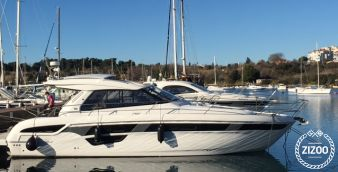 Motor boat Bavaria Cruiser 450 2016
