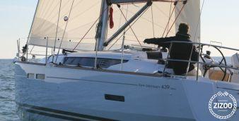 Sailboat Jeanneau Sun Odyssey 43.9 2012