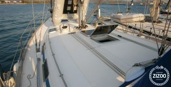 Sailboat Bavaria 42 2000