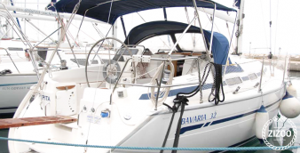 Sailboat Bavaria 32 2004
