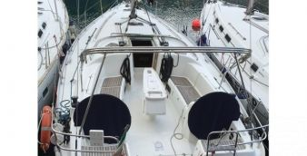 Sailboat Beneteau Cyclades 39.3 2007