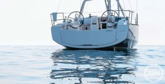 Sailboat Beneteau Oceanis 37 2017
